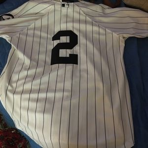 2010 authentic #2 Jeter commerative jersey